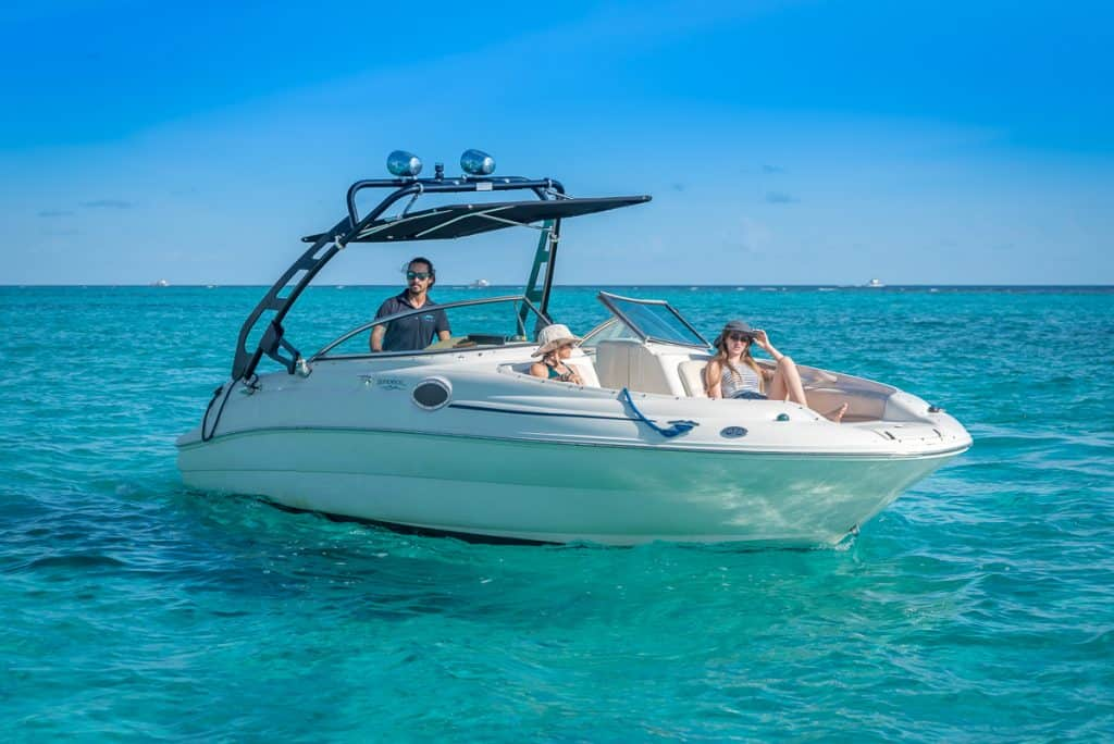Sea Ray Crystal Charters Cayman