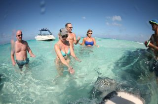 boat charter to Stingray City